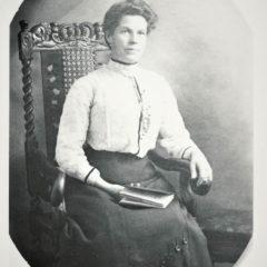 Elizabeth Woodham nee Andrews 1904 Mother of Annie Maud Norah & Florence