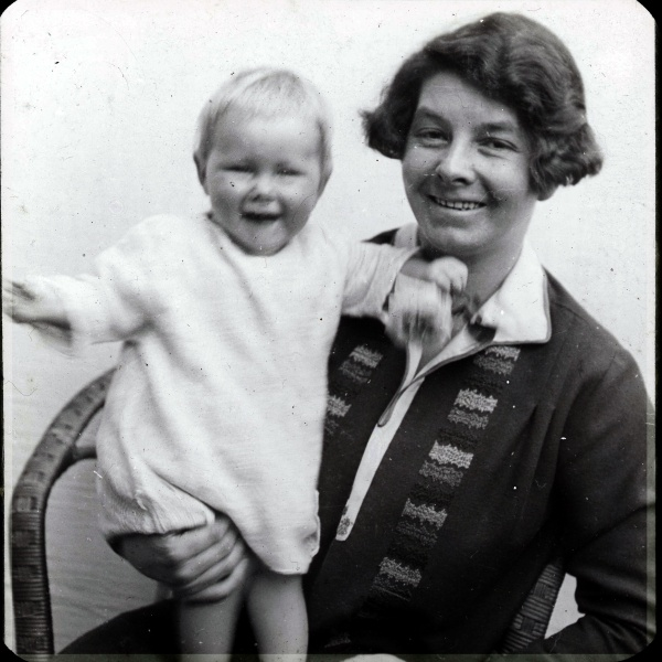 Maud with child