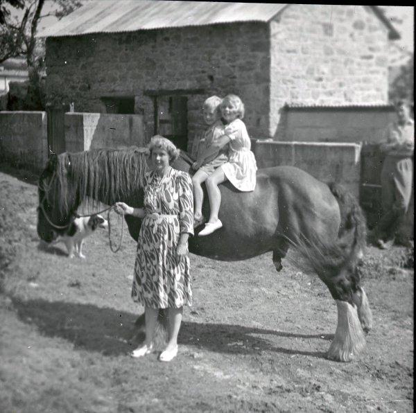 Family scene in Cornwall.